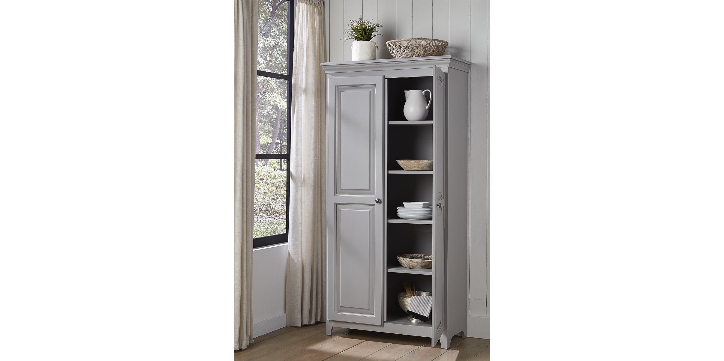 Pantries & Cabinets